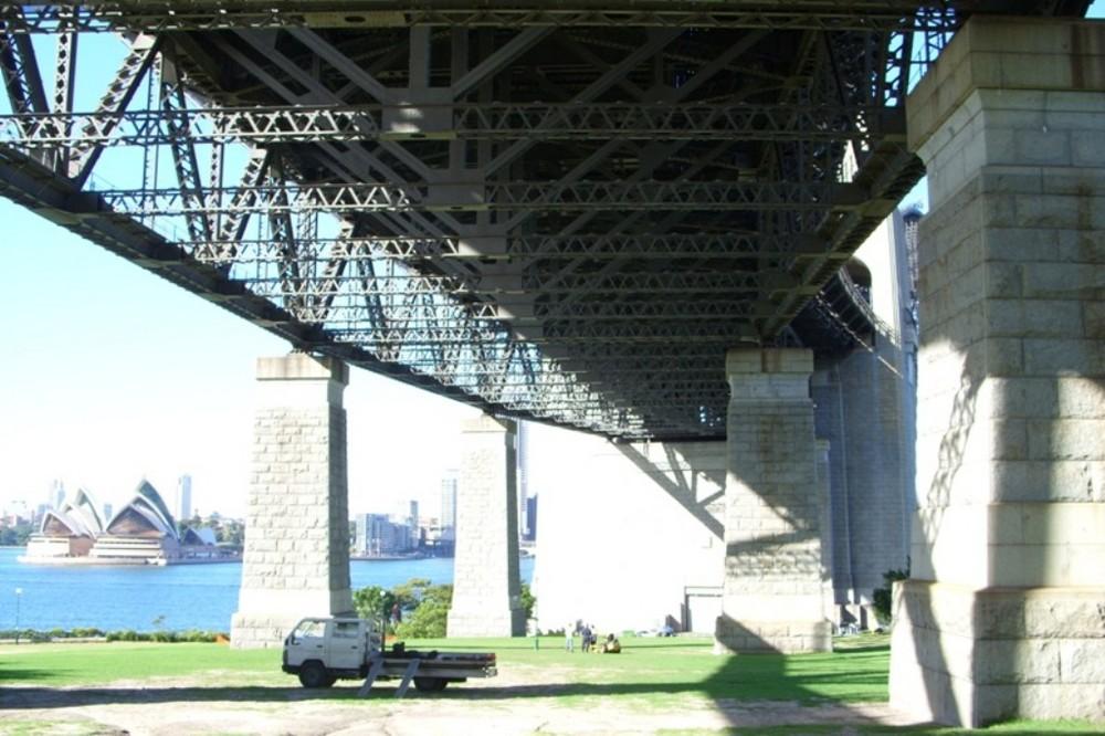 Unter Brücken III