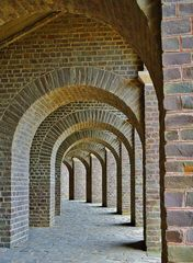 - unter dem Amphitheater ...