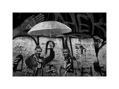 - unter dem Schirm -