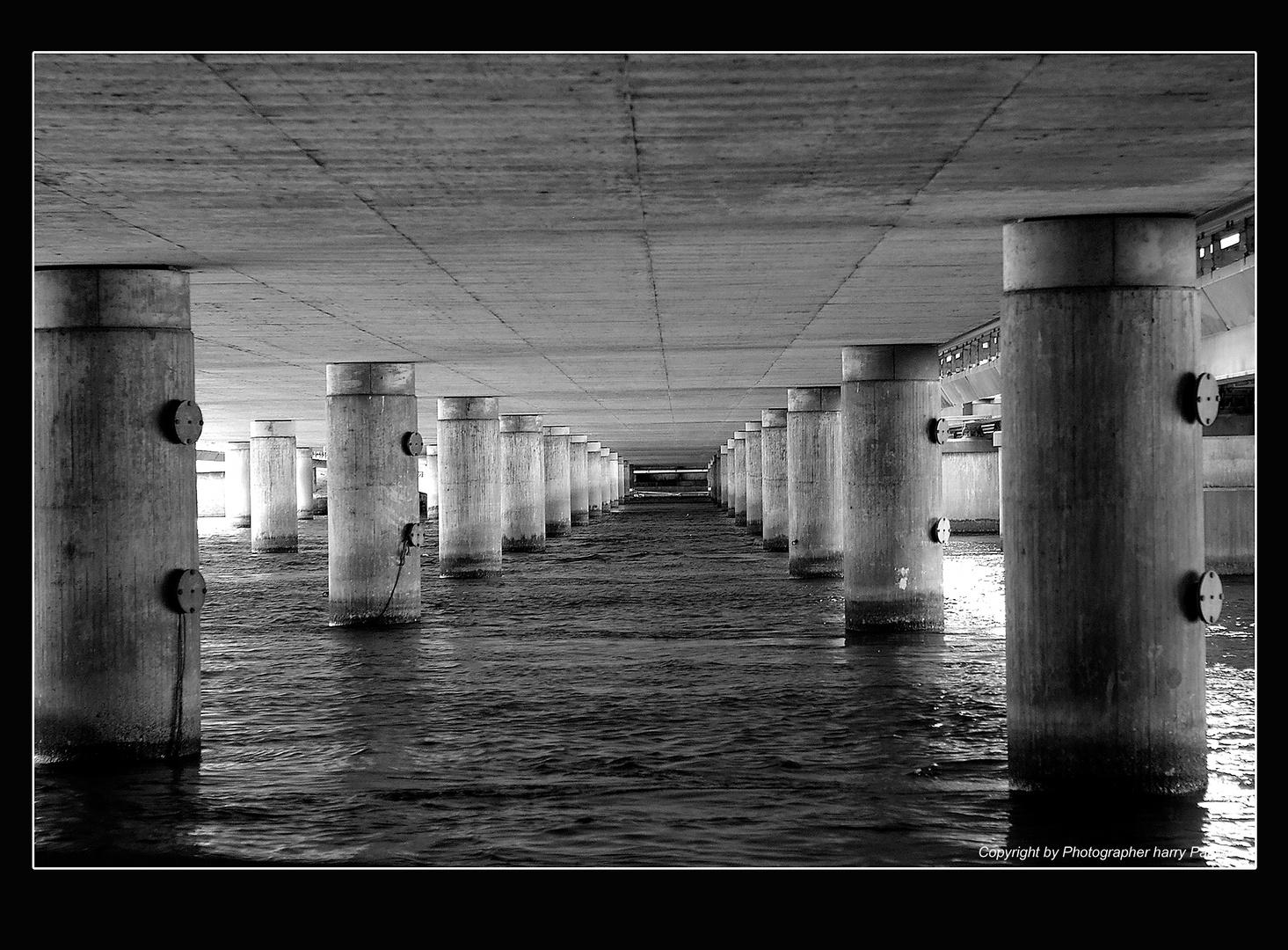 Unter den Brücken von Stockholm