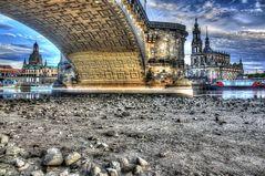 Unter der Augustusbrücke