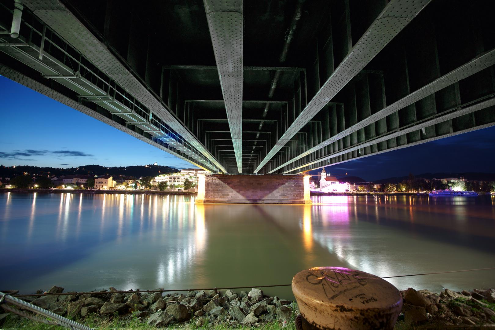 unter der Brücke II