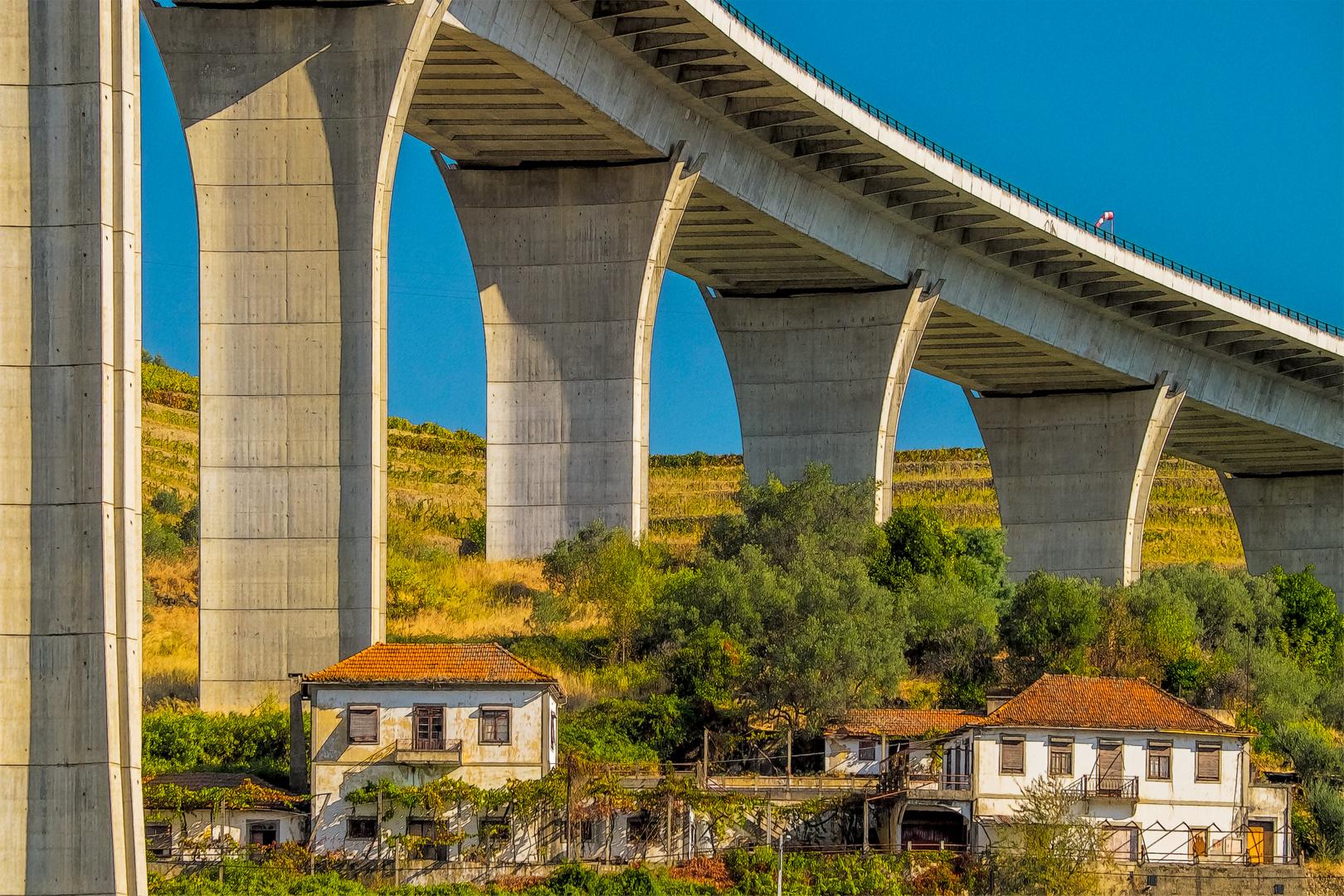 Unter der Brücke wohnen