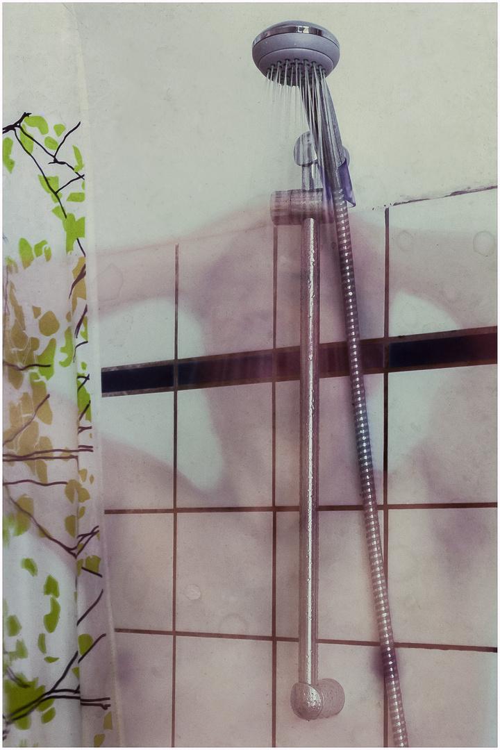 Feuchter Model Unter Der Dusche