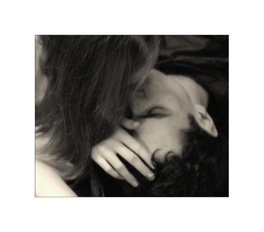 unter ihren küssen