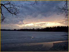 Untergang der Frühlingssonne am Staffelsee