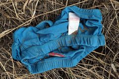 Unterhosen: Die Türkise am Kieswerk
