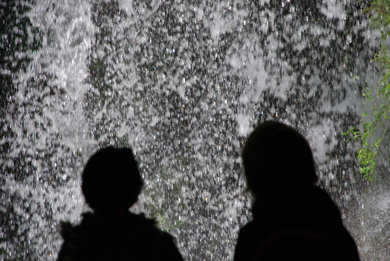 ...unterm Wasserfall...