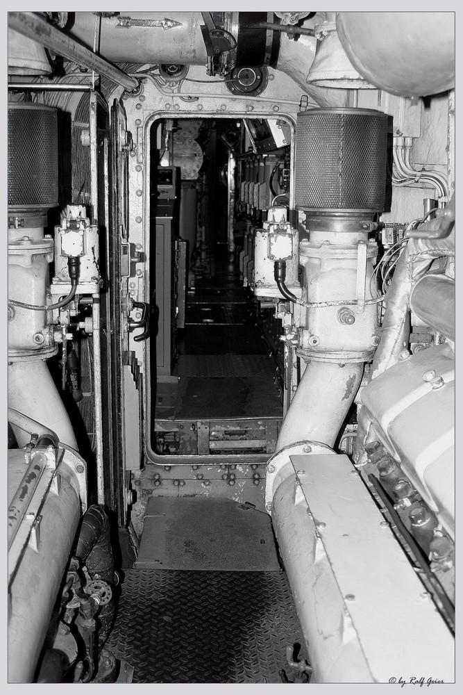 Unterseeboot       U 9