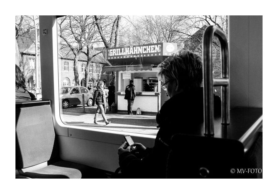 Unterwegs in der Straßenbahn