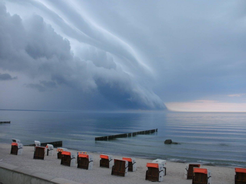 Unwetter über der Ostsee in Kühlungsborn
