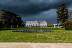 Unwetter über Schloss Benrath