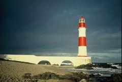 Unwetter zieht auf am Leuchtturm von Itapoa 1985