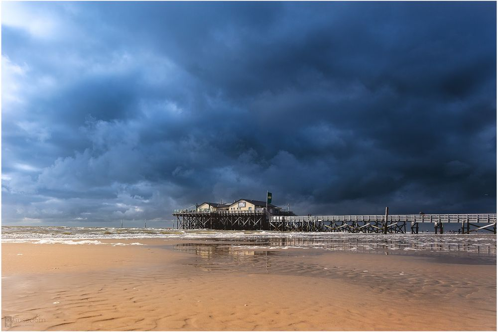 Unwetter zieht auf über St Peter Ording