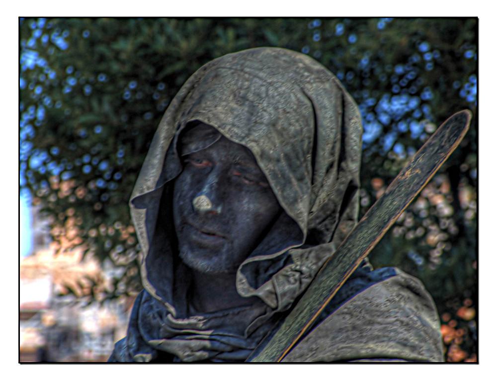 Uomo Statua