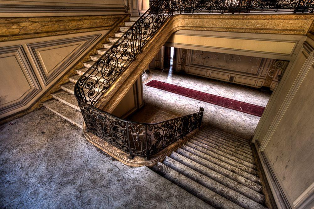 UPSTAIR -- DOWNSTAIRS
