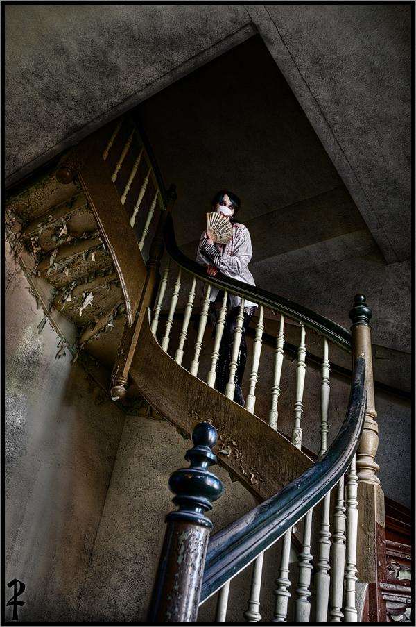 upstairs to the 13. door