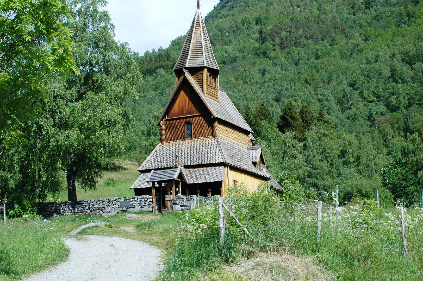Urnes, älteste Stabkirche Norwegens