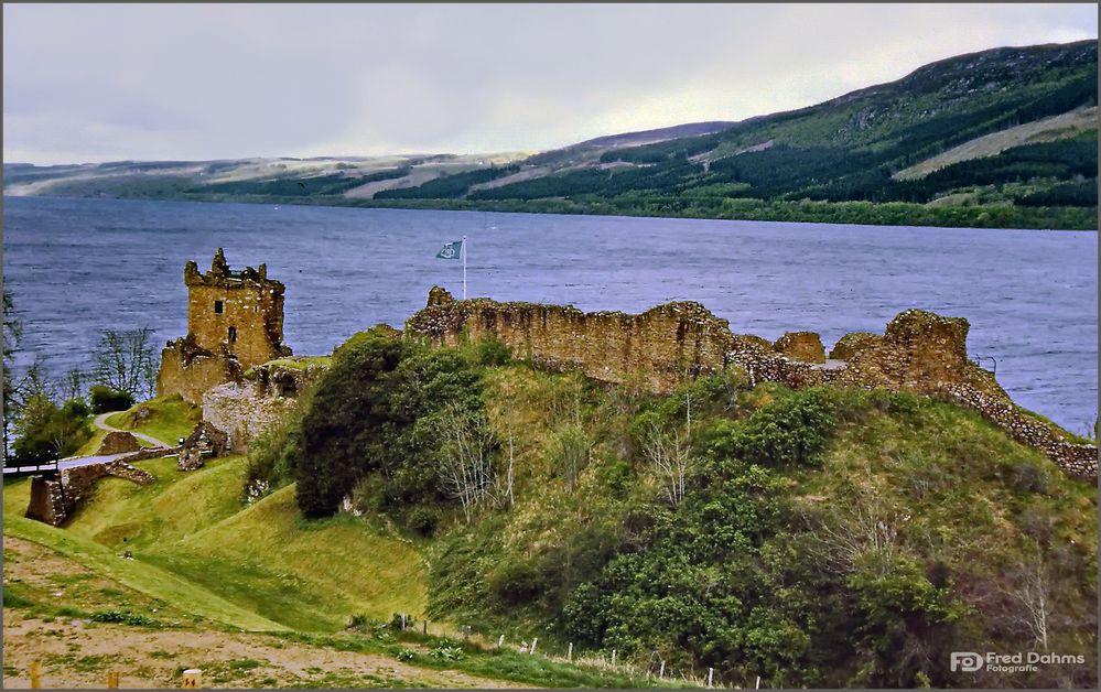 Urquhart Castle und der Loch Ness, Scotland