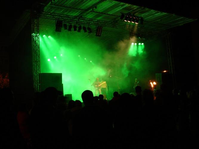 """Uschi Eleven"" live @soundclash 2004"