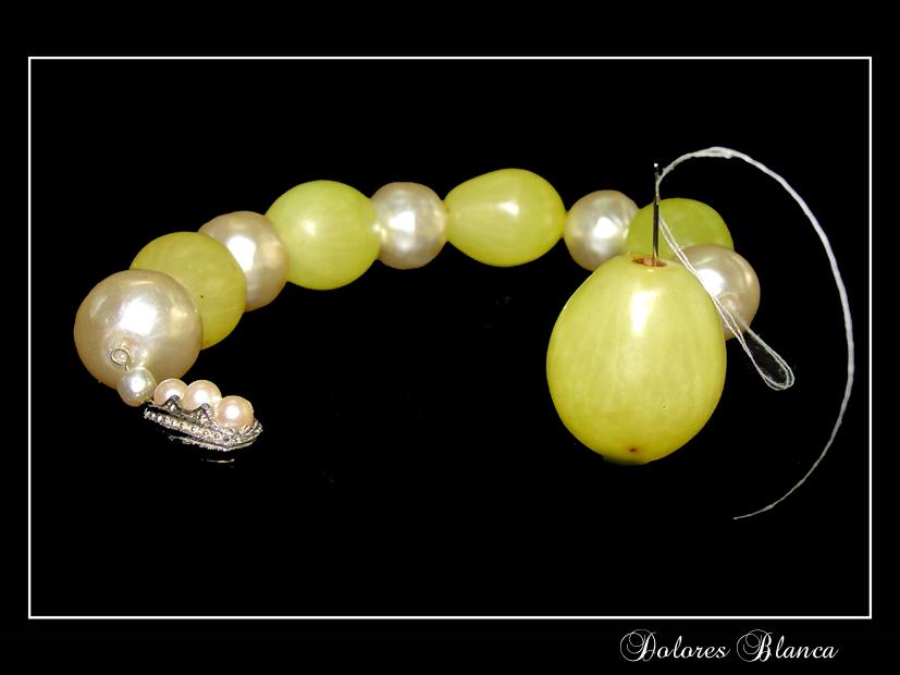 Uvas y perlas
