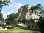 Uxmal (Pyramide des Zauberers)
