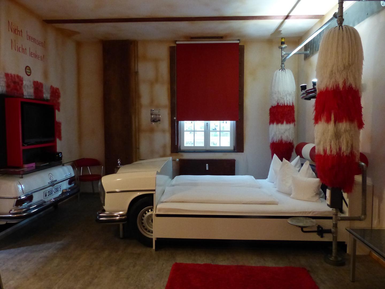 V8 Hotel - das etwas andere Hotel