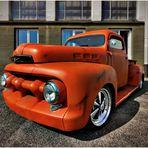 V8 Orange