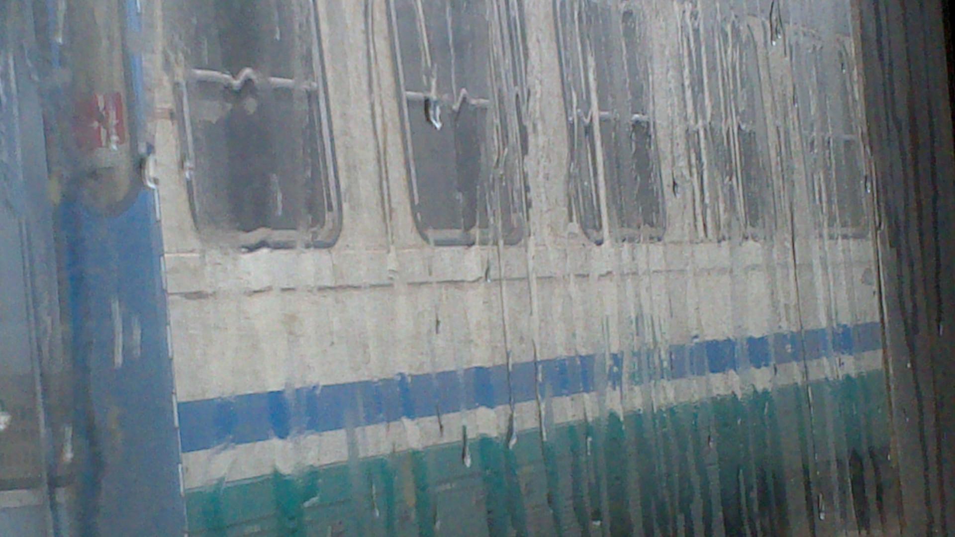 Vagoni sotto la pioggia