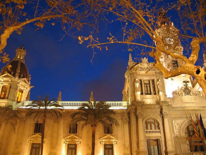 Valencia bei Nacht
