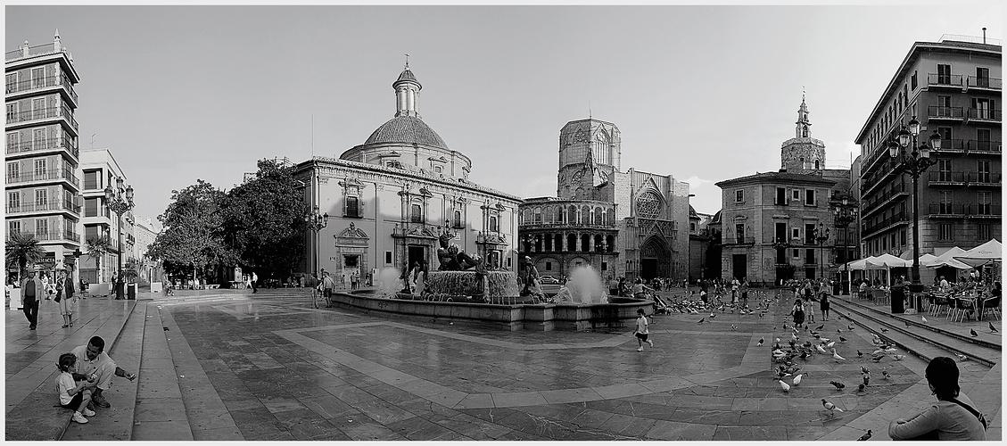 Valencia Plaza de la Virgen (Version 2)