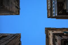 Valetta - is rectangular -