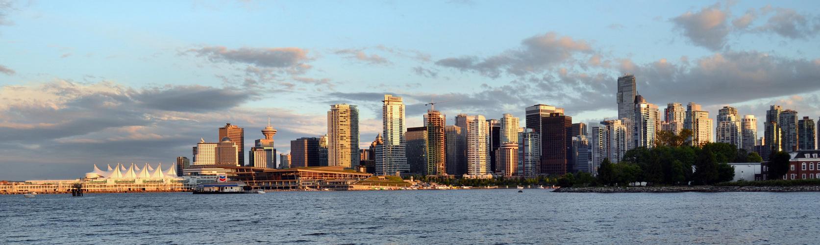 Vancouver Skyline_Juni2011