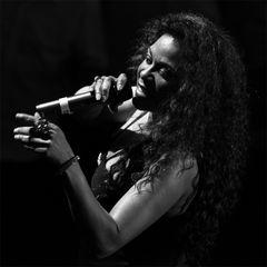 Vanda Guzman - Black Magic Woman