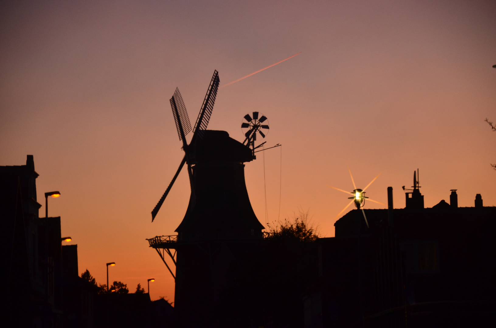 Vareler Mühle bei Sonnenuntergang