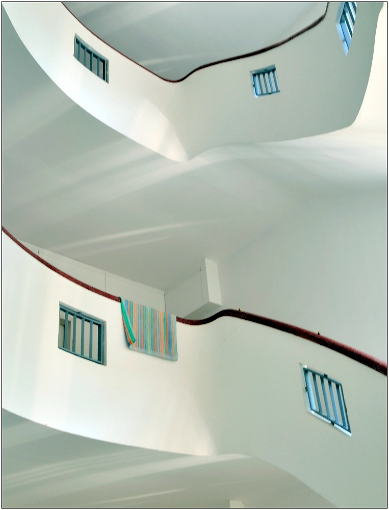... Variationen über ein Treppenhaus #10 ...