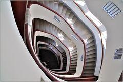 ... Variationen über ein Treppenhaus #13 ...