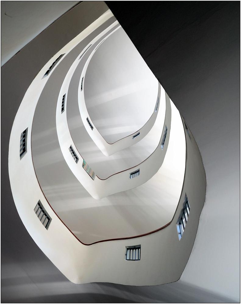 ... Variationen über ein Treppenhaus #6 ...