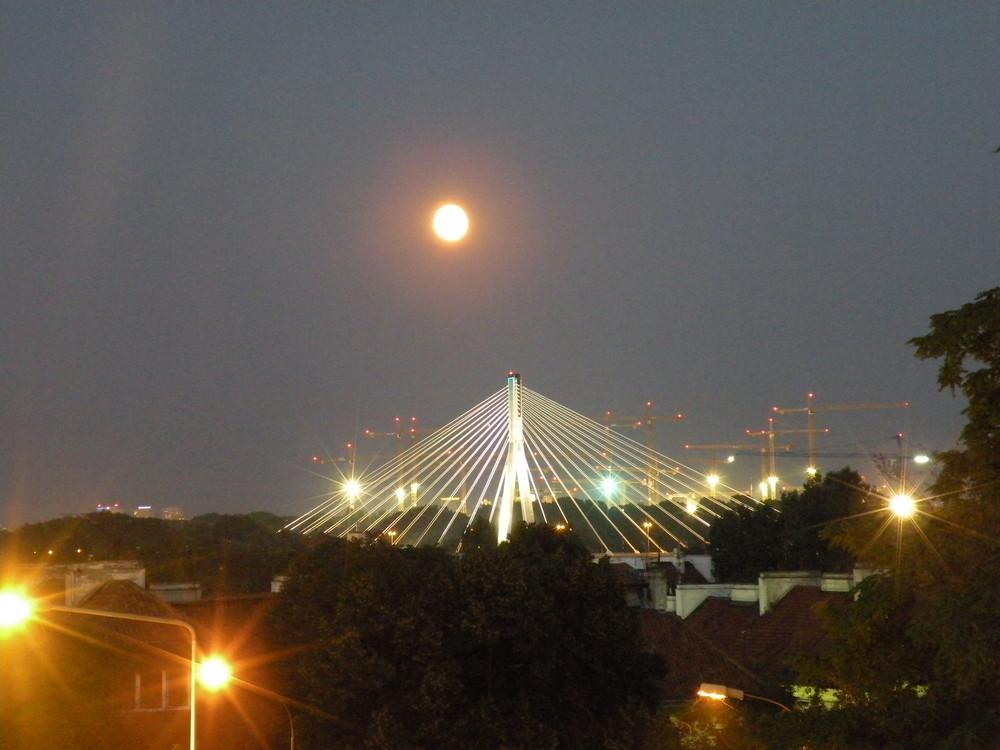 varsovie by night