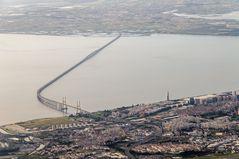 Vasco da Gama-Brücke und Tejo