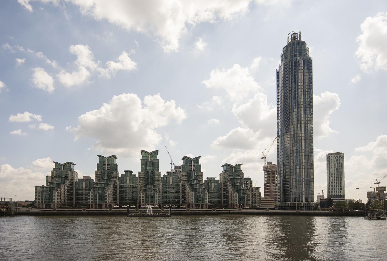 Vauxhall -  Saint George Wharf