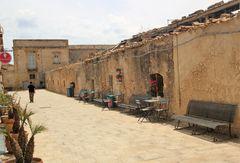 Vecchie costruzioni a Marzamemi