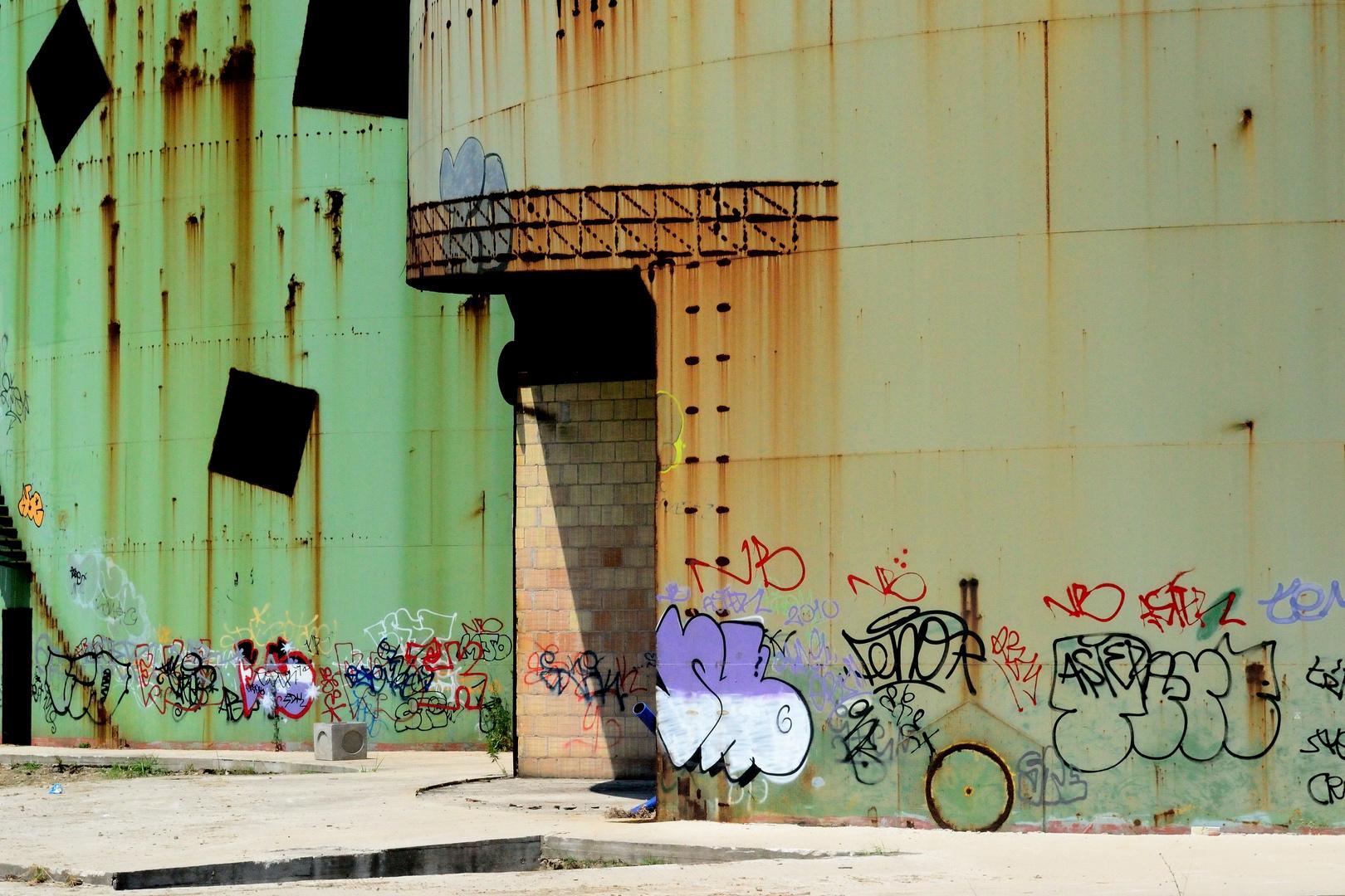 Vecchie tele,nuovi colori...dipingere la ruggine