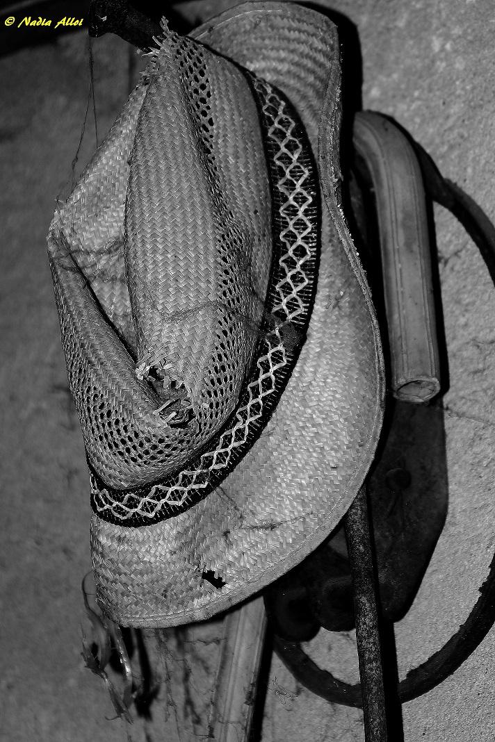 Vecchio cappello abbandonato