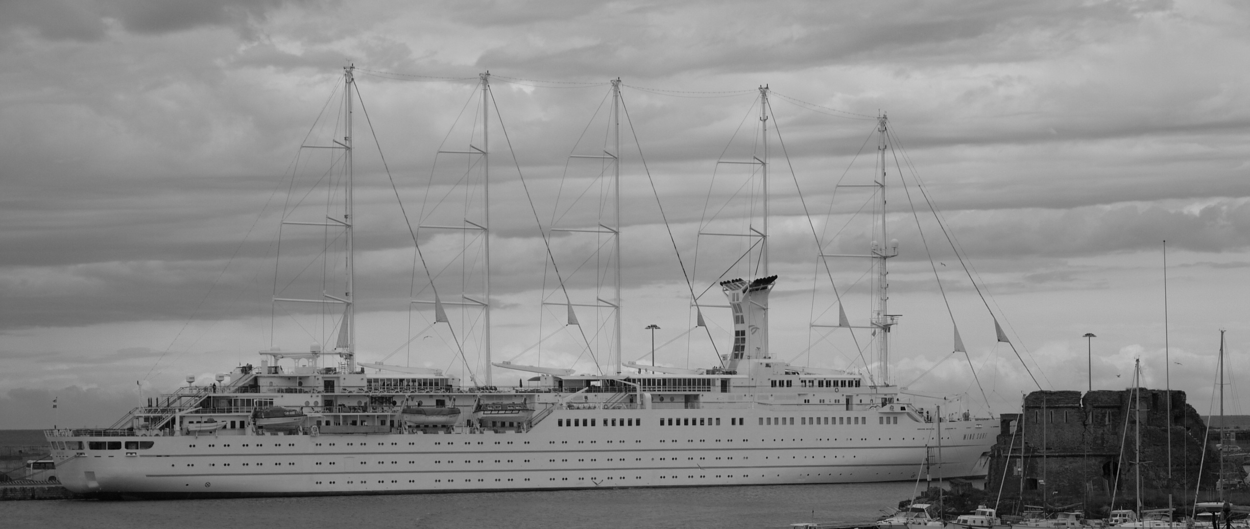 veduta sul porto storico