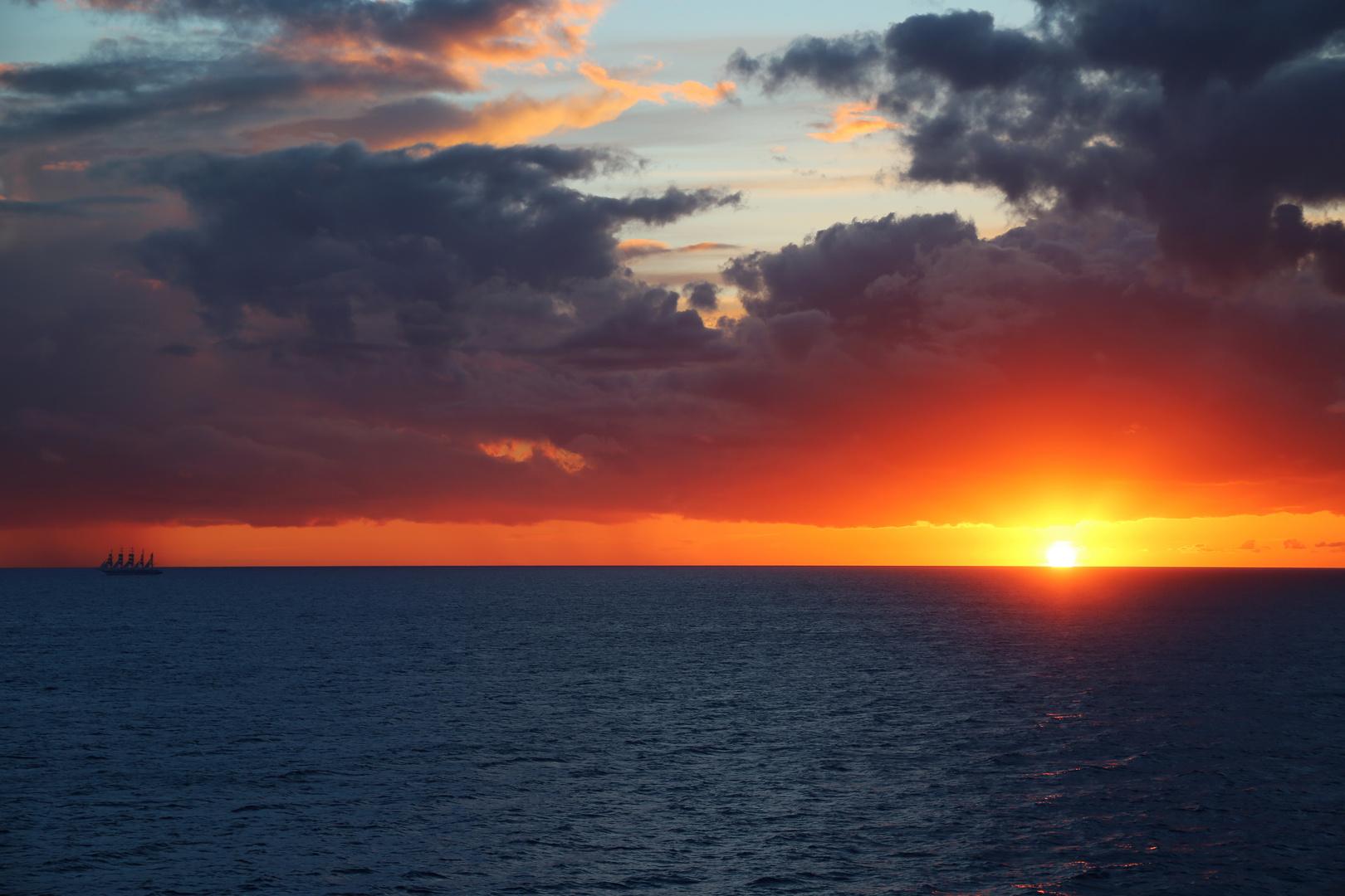 Veliero verso il tramonto