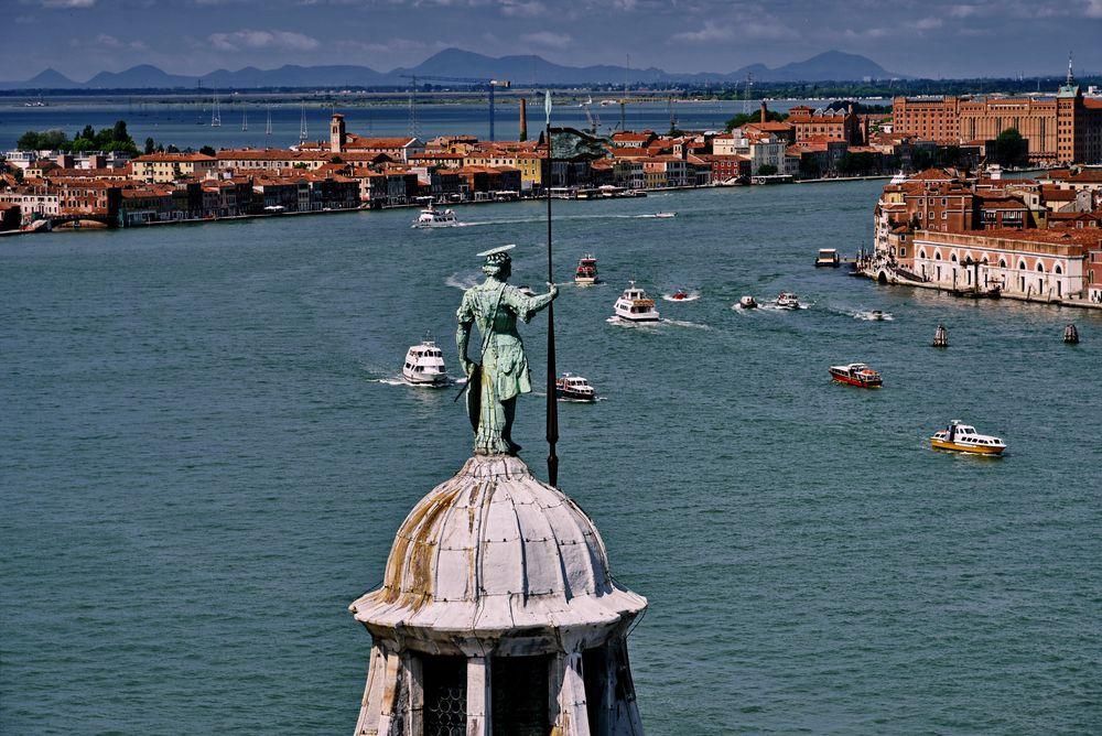 Venedig bis zu den Alpen