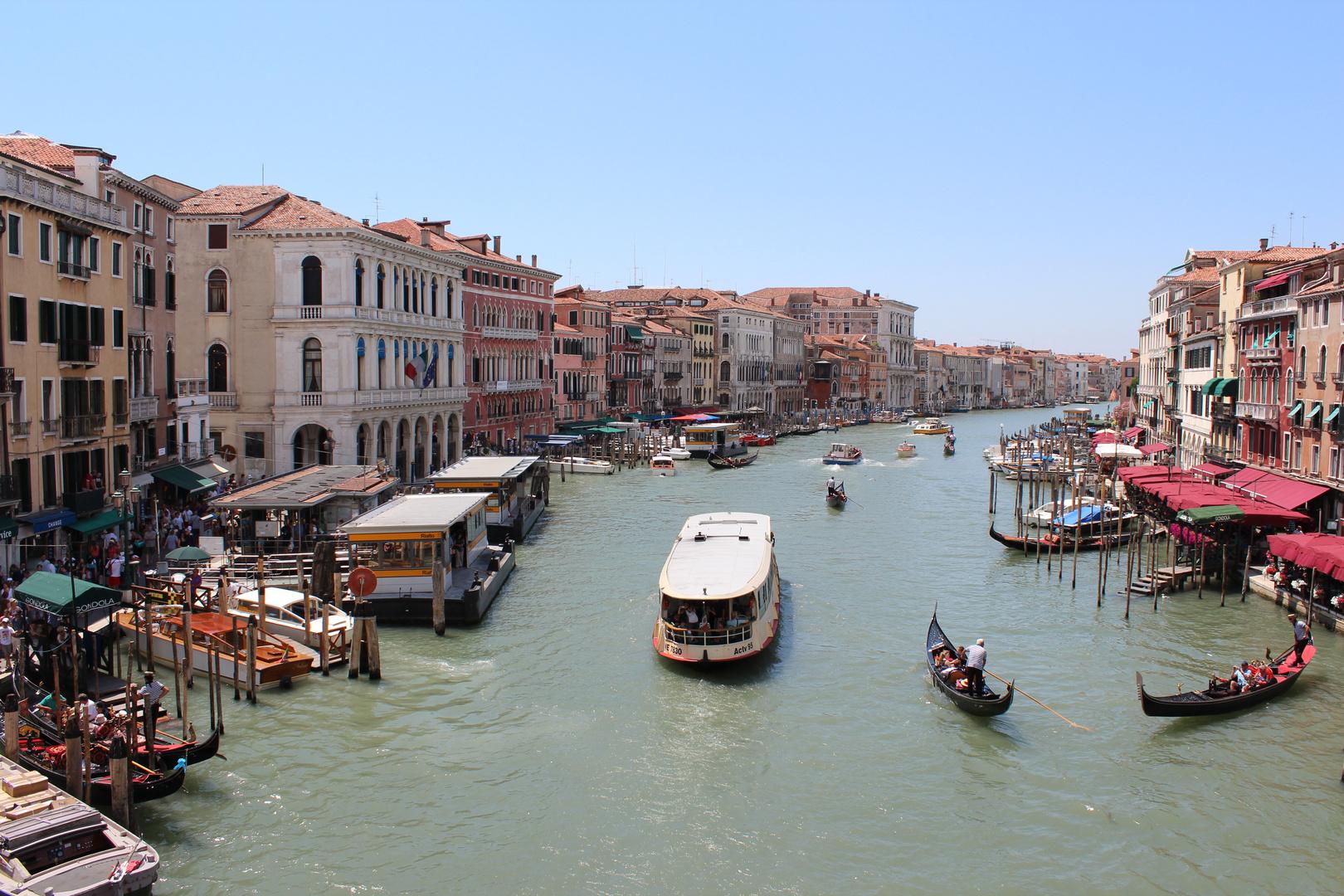Venedig - Blick von der Rialto Brücke auf den Canal Grande