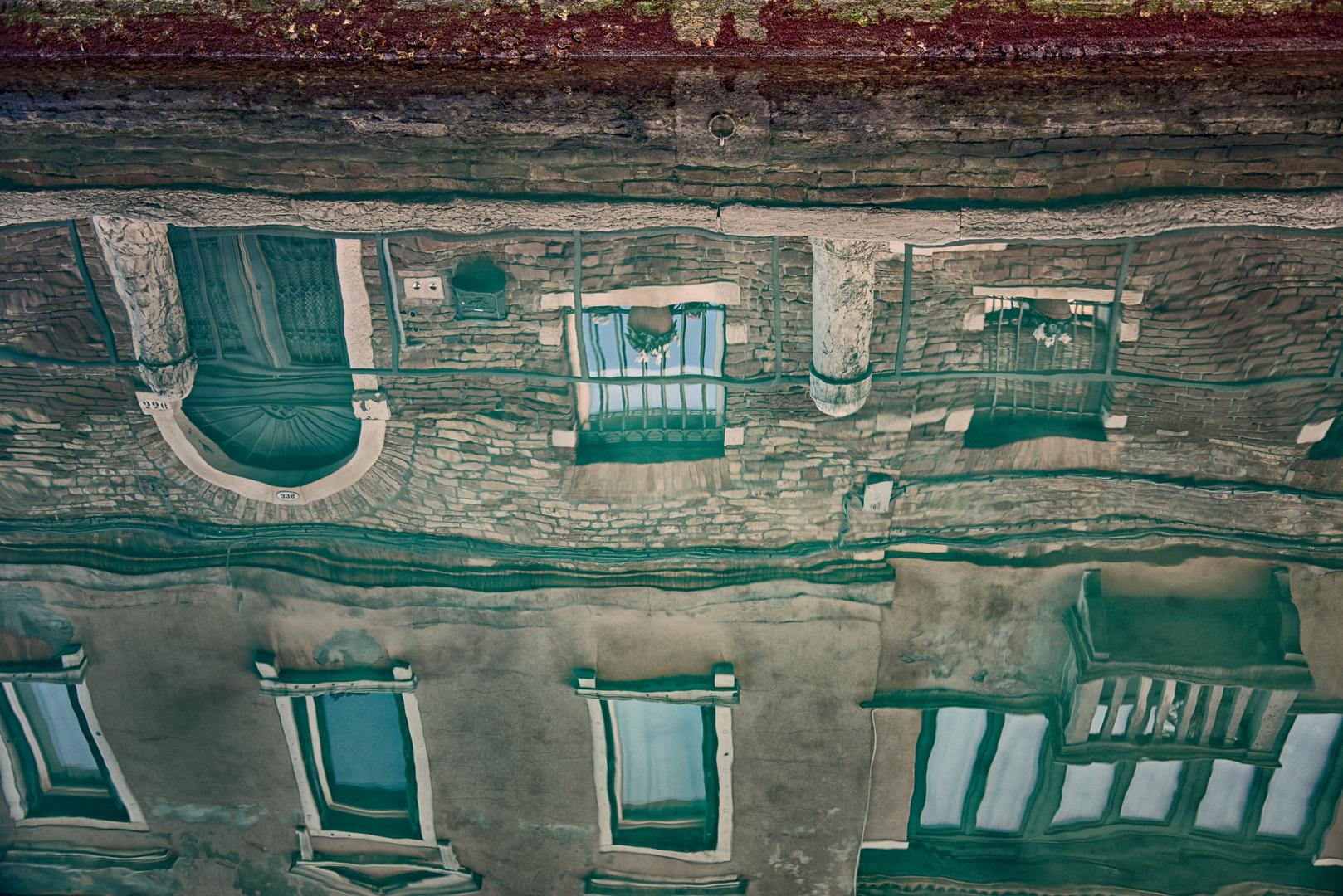 Venedig  morbider Charm  im Spiegel