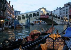 Venedig: Rialto am späten Abend